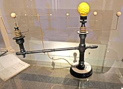 """""""Astronomisches Versinnlichungswerkzeug"""", 1823 von Gottlob Leberrecht Schulze (1779 – 1856)  geschaffen. Foto:. D. v. Goddenthow © atelier-goddenthow"""