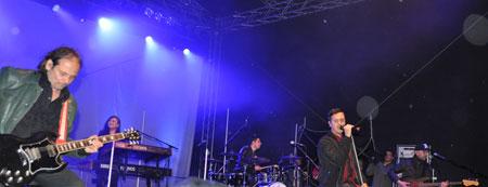 """Der Schweizer Soulsänger Seven. wurde spätestens bekannt seit """"Sing meinen Song"""" und durch seine Festivaltour mit den Fantastischen Vier. Foto: Kultursommer Rheinland-Pfalz"""