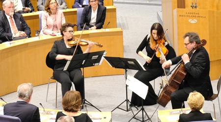 """""""Villa Musica"""" spielte Wolfgang Amadeus Mozart """"Divertimento Es-Dur für Violine, Viola und Violoncello, KV 563"""". Foto:. Heike  v. Goddenthow"""