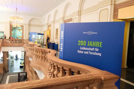 Die Info-Stationen befinden sich auf drei Etagen des Senckenberg Naturmuseums. Foto: Diether v. Goddenthow