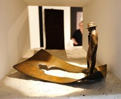 Marc Antoine Mathieu Ombre Vide (dt. Leerer Schatten), 2014, Bronze. Foto: Diether v. Goddenthow © atelier-goddenthow
