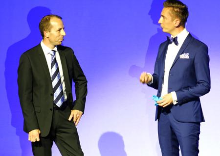 """vli.: Professor Dr. Andreas Mulch im Gespräch über die """"Erde"""" mit ZDF-Moderator Eric Mayer. Foto: Diether v. Goddenthow"""