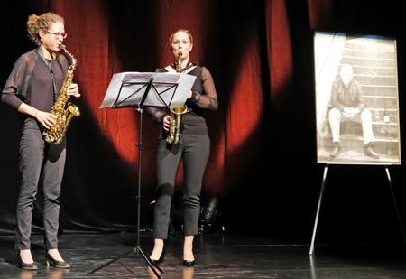 Anne Siebrasse und Regina Reiter - Duo Saxophilie . Foto: Diether v. Goddenthow