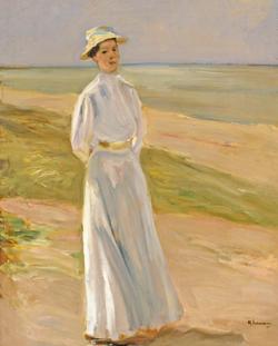 Max Liebermann (1847 - 1935) Die Tochter des Künstlers am Strand/ Damenbildnis in Weiß. Öl auf Holz. Privatsammlung, Paris. Foto: Diether v. Goddenthow