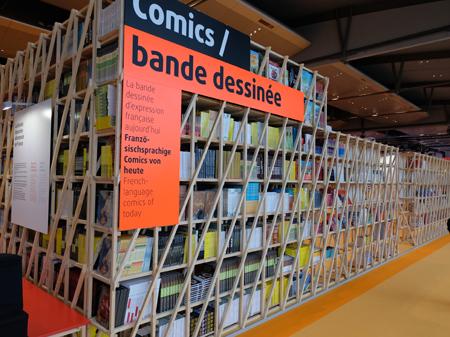 Eines der vielen Highlights im französischen Ehrengast-Pavillon ist die Comics-Ausstellung, die nach verschiedenen Genres aufgebaut ist. Foto: Diether v. Goddenthow