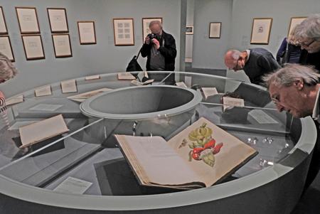 Ausstellungsimpression: MARIA SIBYLLA MERIAN UND DIE TRADITION DES BLUMENBILDES 11. OKTOBER 2017 BIS 14. JANUAR 2018. Foto: Diether v. Goddenthow