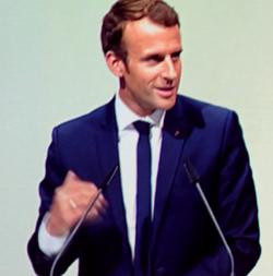 Emmanuel Jean-Michel Frédéric Macron warb bei der Eröffnung der Buchmesse für seine Visionen eines erneuteren Europas. Foto: Diether v. Goddenthow