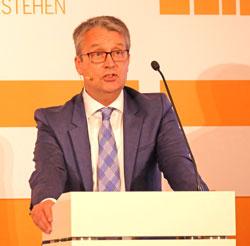 Gabor Seingart, Herausgeber des Handelsblatts, Jury-Vorsitzender und Laudator.