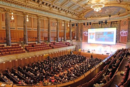 Über 1000 Besucher der hessischen Wirtschaft und aus Gesellschaft und Politik im Kurhaus beim 26. Hessischen Unternehmertag am 7.11.207.Foto: Diether v. Goddenthow
