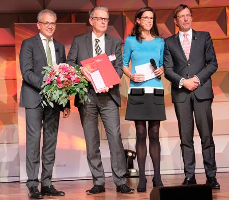 """Kategorie """"Weltmarktführer"""" Geschäftsführung von Nord-Micro GmbH & Co. OHG Foto: Diether v. Goddenthow"""