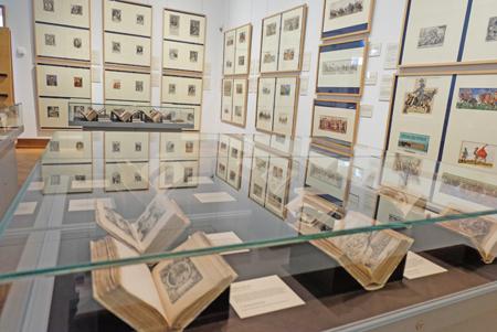 """Raum 1 der Thesaurus Picturarum von Marcus zum Lamm (1544-1606). 33 Bände dieses """"Schatzes der Bilder"""". Enzyklopädie der Frühen Neuzeit. Foto: Diether v. Goddenthow"""