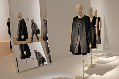 """Ausstellungs-Impression """"Jil Sander. Präsens"""" vom 4. Nov. 2017 bis 6.Mai 2018 im Museum Angewandte Kunst Frankfurt,     Foto: Diether v. Goddenthow"""