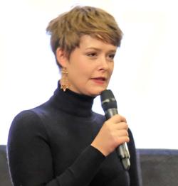 PIX-Darstellerin Laura Louisa Garde bedankt sich für den Preis. Foto: Diether v Goddenthow