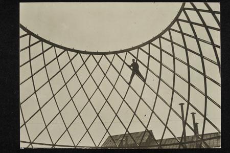 Otto Bartning, Flächentragwerk des Deutschen Reichspavillons für die Mailänder Messe, Berlin 1926, Foto: Otto-Bartning-Archiv TU Darmstadt, Fotograf unbekannt