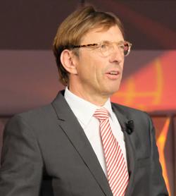Wolf Matthias Mang, VhU-Präsident, begrüßte die Gäste und hielt eine vielbeachtete Rede.Foto: Diether v. Goddenthow