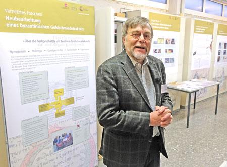 Prof. Dr. Markus Egg. Direktor für Werkstätten und Labore sowie Leiter des Kompetenzbereichs Vorgeschichte.  Foto: Diether v. Goddenthow