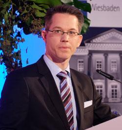 Kammerpräsident Dr. Christian Gastl hielt eine bemerkenswerte Rede. Foto: Diether v. Goddenthow © atelier-goddenthow