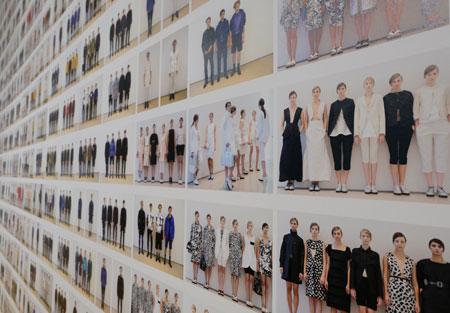Jil Sander. Präsens - Noch bis zum 6. Mai 2018. Aus Wandinstallation Showroom-Looks Men F/S 2013 - Women F/S 2014 Diether v. Goddenthow © atelier-goddenthow