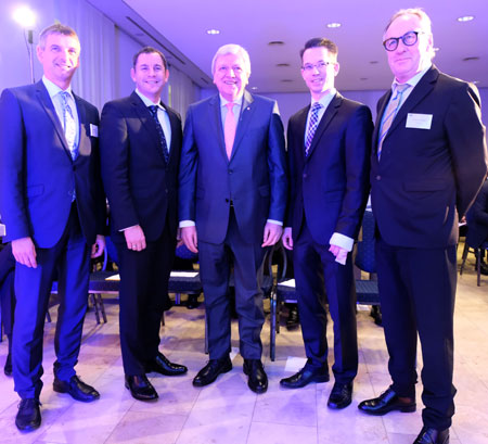 (v.l.) Frank Kilian, Landrat des Rheingau-Taunus-Kreises, Sven Gerich ,Oberbürgermeister  der Landeshauptstadt Wiesbaden, Volker Bouffier, hessischer Ministerpräsident, Dr. Christian Gastl, IHK-Präsident sowie Joachim Nolde, IHK-Hauptgeschäftsführer. Diether v. Goddenthow © atelier-goddenthow