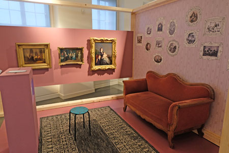 Großelternwohnzimmer im der Ausstellung Wow! © Foto: atelier-Goddenthow