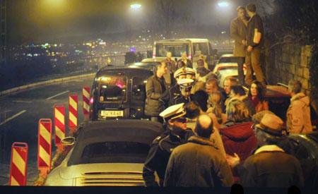 """Szene aus dem Tatort Stau """"Polizeikontrolle auf der Stuttgarter Weinsteige"""". © SWR"""