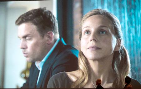 """Petra Schmidt-Schaller, hier in der Rolle der Nora Schwarz in dem Zweiteiler """"Keine zweite Chance"""" (Sat.1).© SAT 1"""