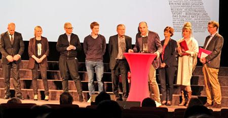 """Publikumsjury des Wiesbadener Kuriers wählte den Film """"Ein Kind wird gesucht"""" (ZDF/ARTE) hier mit Produzent und  Darstellern. © Foto: Diether v. Goddenthow"""