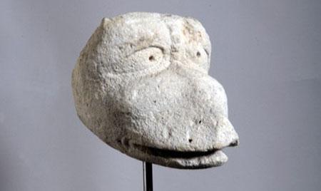Steinskulptur Entenkopf, Landesmuseum Mainz, Foto Ursula Rudischer
