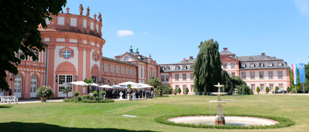 Schloss Biebrich. © Foto: Diether v. Goddenthow