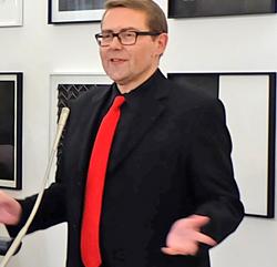 Die Eröffnung der Kurzen Nacht der Galerien und Museen in Wiesbaden am 1. April 2017 im Bellevue-Saal zählte zu den ersten öffentlichen Auftritten Axel Imholz als neuer Kulturdezernent der Landeshauptstadt Wiesbaden © Foto: Diether v. Goddenthow
