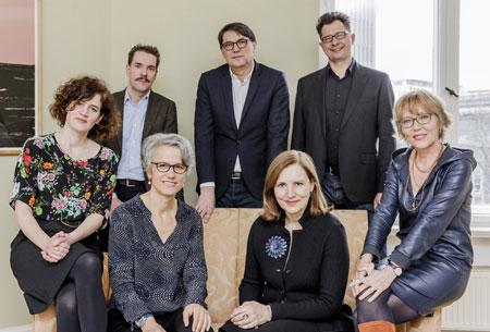 V.l.n.r.: Christine Lötscher, Paul Jandl, Marianne Sax, Christoph Bartmann, Marianne Sax, Luzia Braun, Uwe Kalkowski © Foto: Monique Wuestenhagen