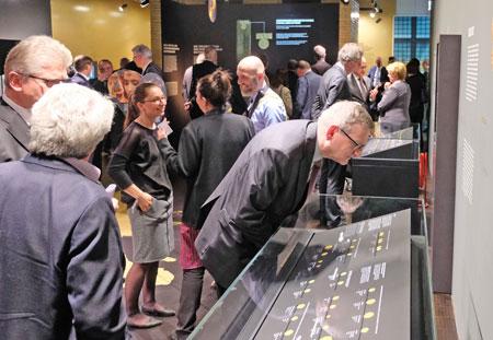 die Ausstellung wurde mit großer Begeisterung aufgenommen. © Foto: Diether v. Goddenthow