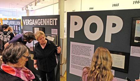 Klassen-Kämpfe. Schülerproteste 1968 bis 1972 - als das Kofferadio zum Symbol der Befreiung vom spießigen Musikgeschmack der Eltern wurde.  © Foto: Diether v. Goddenthow