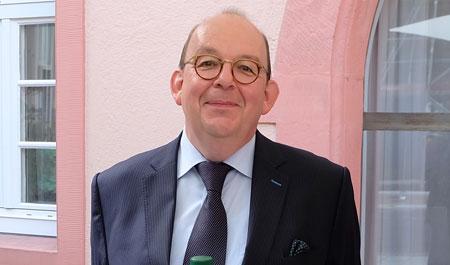 Literaturkritiker und TV-Moderator Denis Scheck hält donaldistischen Vortrag im Landesmuseum Mainz. Archiv-Bild: © Foto: Diether v. Goddenthow