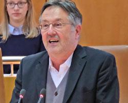 Der Literaturwissenschaftler Prof. Dr. Rainer Moritz , und heutige Leiter des Hamburger Literaturhauses. © Foto: Diether v. Goddenthow