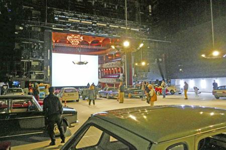 Autokino statt Bühenprogramm-  beginnt, wenn das Theaterparkhaus schließt. Foto: Heike v. Goddenthow