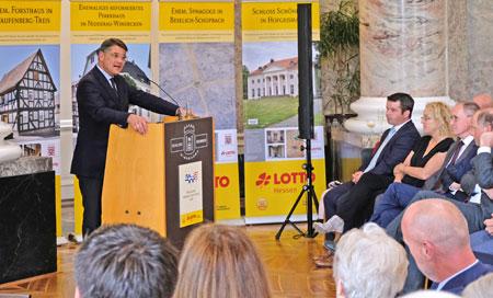 Kunst- und Kulturminister Boris Rhein, hier während seines Grußwortes,  hat heute im Schloss Biebrich den Hessischen Denkmalschutzpreis 2018 vergeben.© Foto: Diether v. Goddenthow