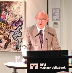 Uwe Abel, Vorstandsvorsitzender der Mainzer Volksbank © Foto: Diether v. Goddenthow