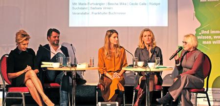 """Archivbild: """"Femme Fatale"""" Diskussionrunde mit Moderatorin Sascha Mika auf der Buchmesse 2017 © Foto: Diether v. Goddenthow"""