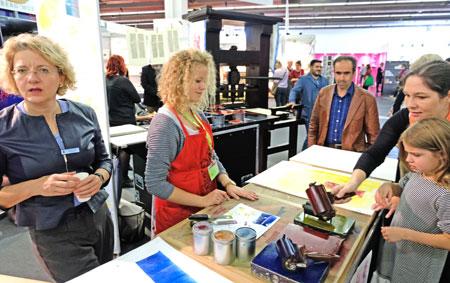 Gutenberg-Museum auf der Buchmesse 2017 mit Direktorin Dr. Annette Ludwig, Archivbild © Foto: Diether v. Goddenthow