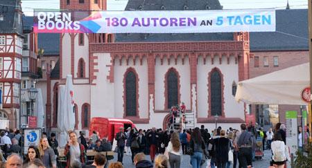 Open Books, das Lesefestival zur Buchmesse im und rund um den Frankfurter Römer wurde gestern eröffnet. © Foto: Diether v. Goddenthow