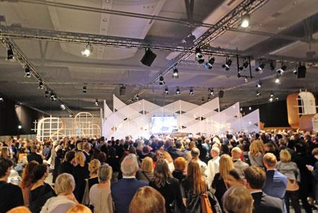 Eröffnung des Ehrengastpavillions.© Foto: Diether v. Goddenthow