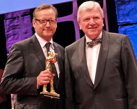 Ehrenpreisträger Matthias Brandt und Volker Bouffier, Hessischer Ministerpräsident.© Foto: Diether v. Goddenthow