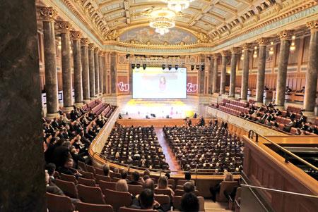 Impression vom 27. Hessischen Unternehmertag, hier Thiersch-Saal im Kurhaus Wiesbaden. © Foto: Diether v. Goddenthow