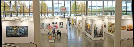 75 Aussteller aus 14 Ländern zeigen ein breites Angebot von  Malerei, Zeichnung und Druckgrafik über Skulptur und Installation bis zur Fotografie und Urban Art..© Foto: Diether v. Goddenthow
