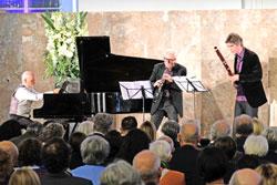 Ensemble Modern : Ueli Wiget (Klavier), Christian Hommel (Oboe) und Johannes Schwarz (Fagot). © Foto: Diether v. Goddenthow