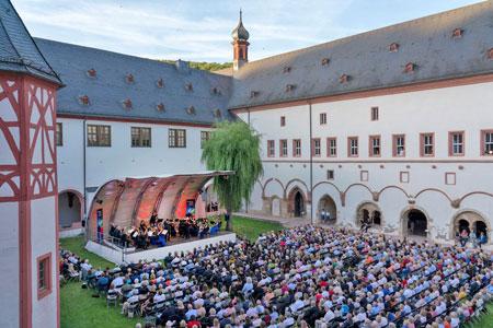 Kreuzgang Kloster Eberbach. © Foto Marco Borggreve