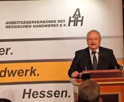 Vize-Präsident Jürgen Karpinski, Präsident des Zentralverbands Deutsches Kraftfahrzeuggewerbe. © Foto: Diether v. Goddenthow