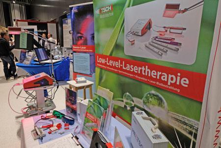 Auf der Gesundheitsmesse Paracelsus im Wiesbadener RMCC werden  vor allem Produkte und Dienstleistungen aus den Bereichen Medizin, Prävention, gesunde Ernährung, Naturheilkunde und Wellness präsentiert.© Foto: Diether v. Goddenthow