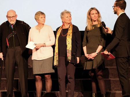 Adolf E. Bremer, Angelika Pohl, Elke Boger, und Sarah Müller im Gespräch mit dem Moderator. © Foto: Diether v. Goddenthow